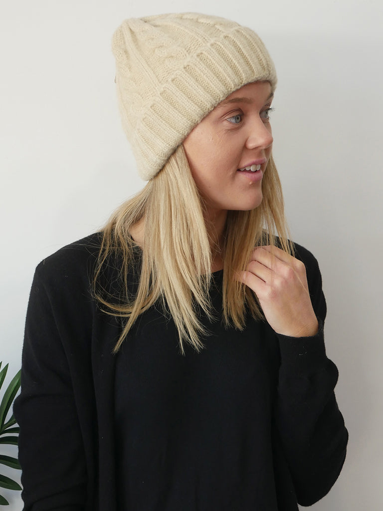 CASSIE CABLE BEANIE - NATURAL