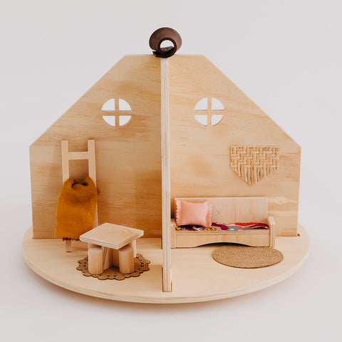Pretty in Pine Dolls Round House
