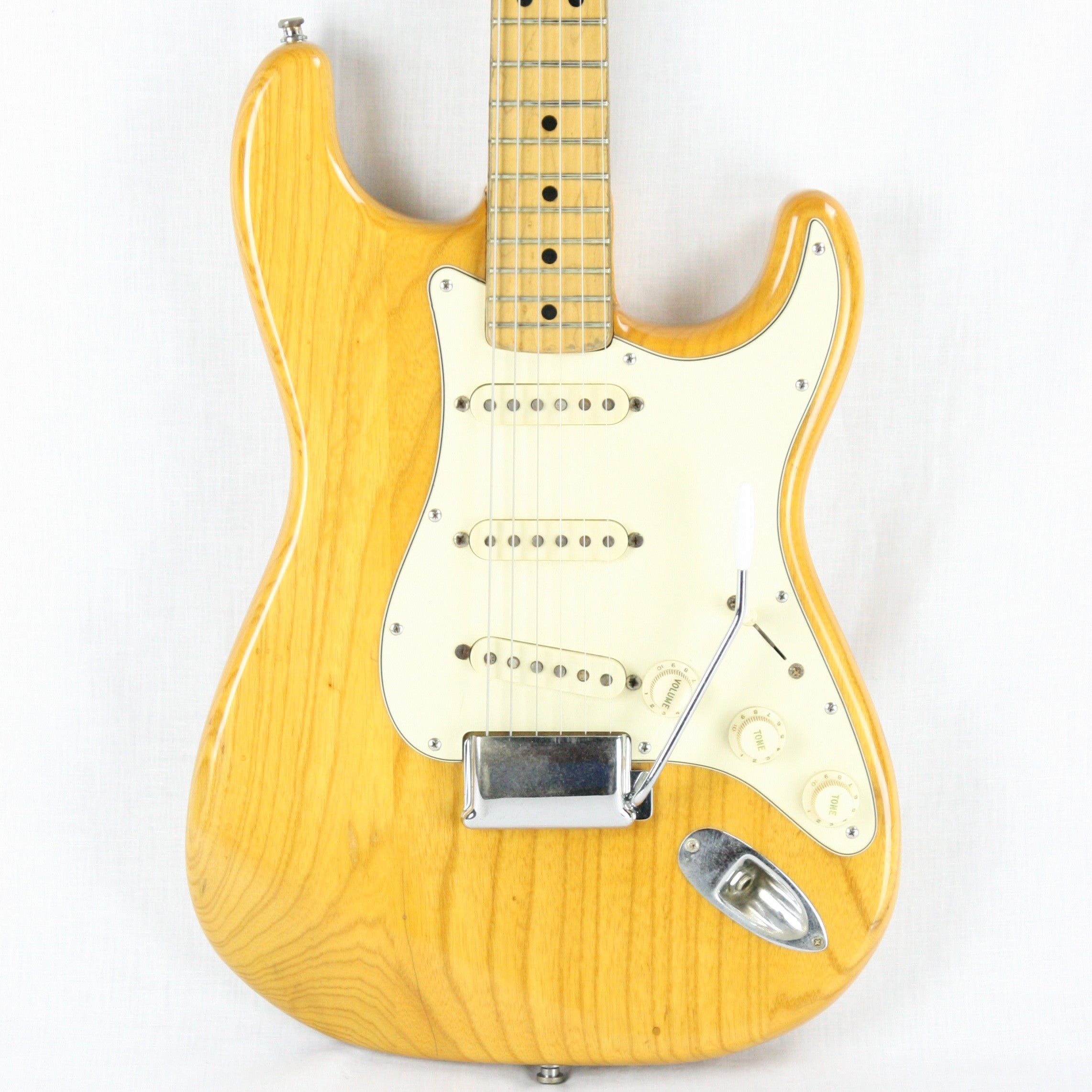 1973 Fender Stratocaster Natural Finish! 1970's Strat w/ Staggered Pole Pickups! Maple Neck! LIGHTWEIGHT