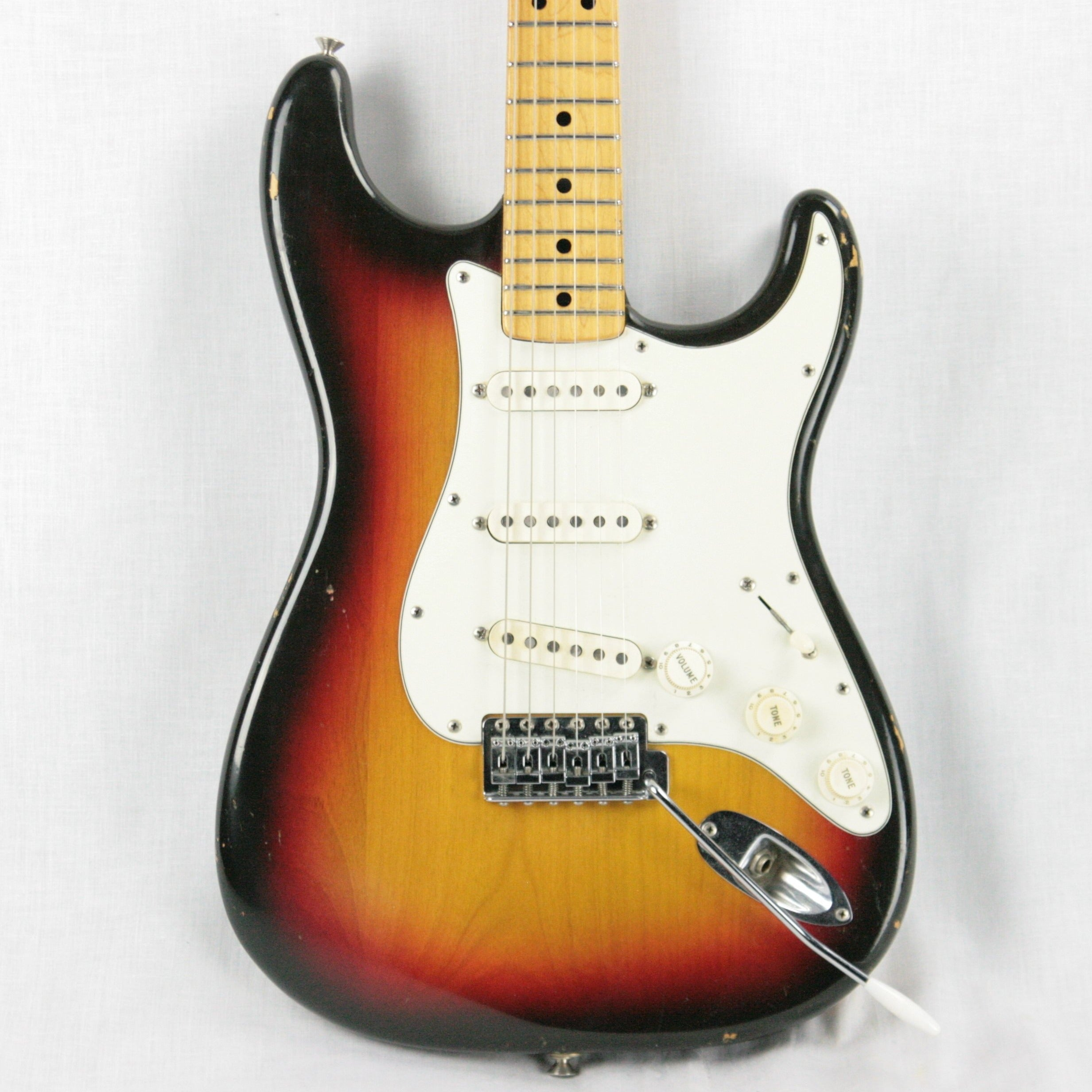 1973 Fender Stratocaster SUNBURST w/ Maple Neck Strat! Staggered Pole Pups 1970's