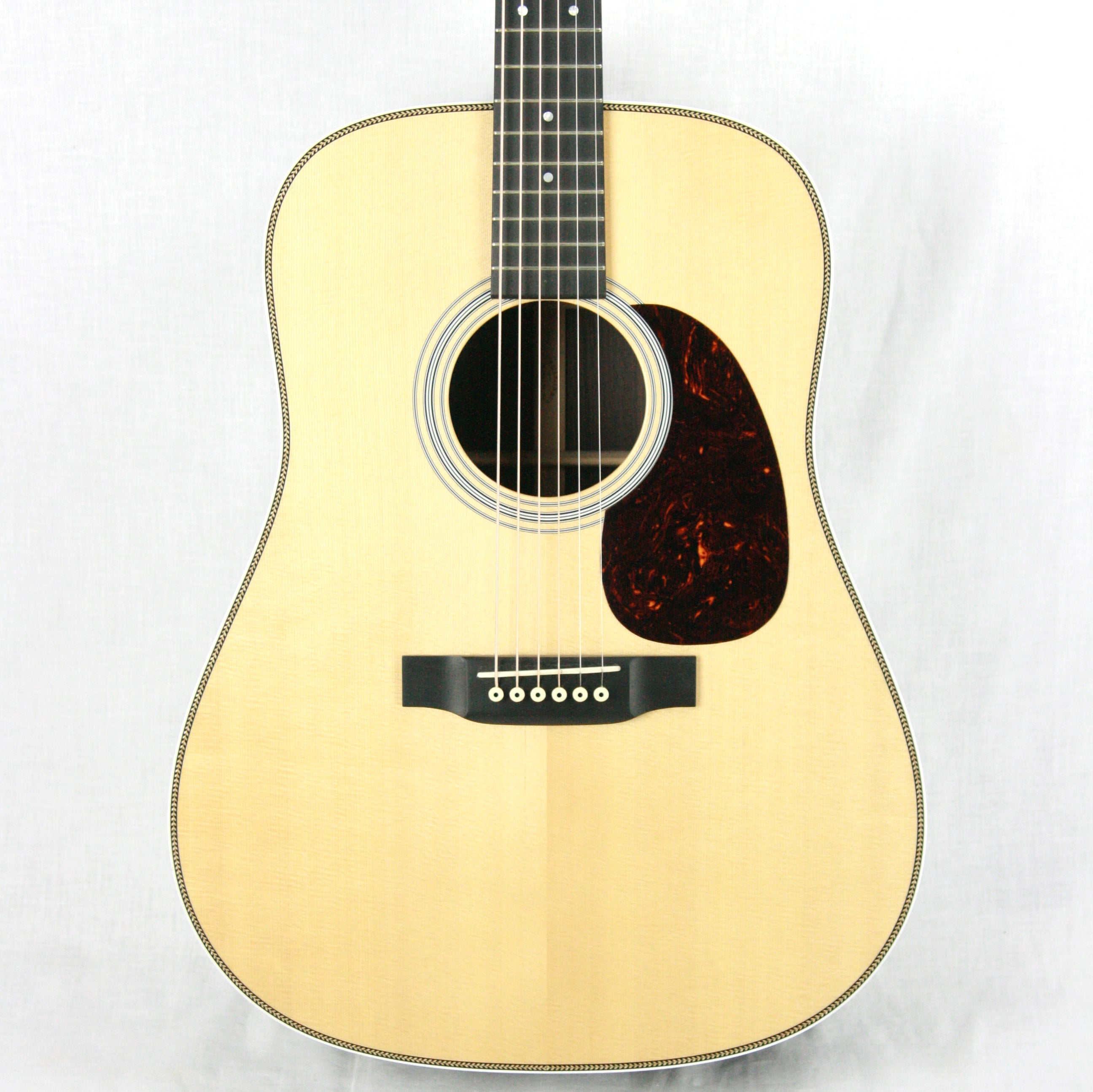 2016 Martin Custom Shop HD-28! Golden Era Bracing! Sitka Top & Rosewood Back/Sides! Gloss Finish