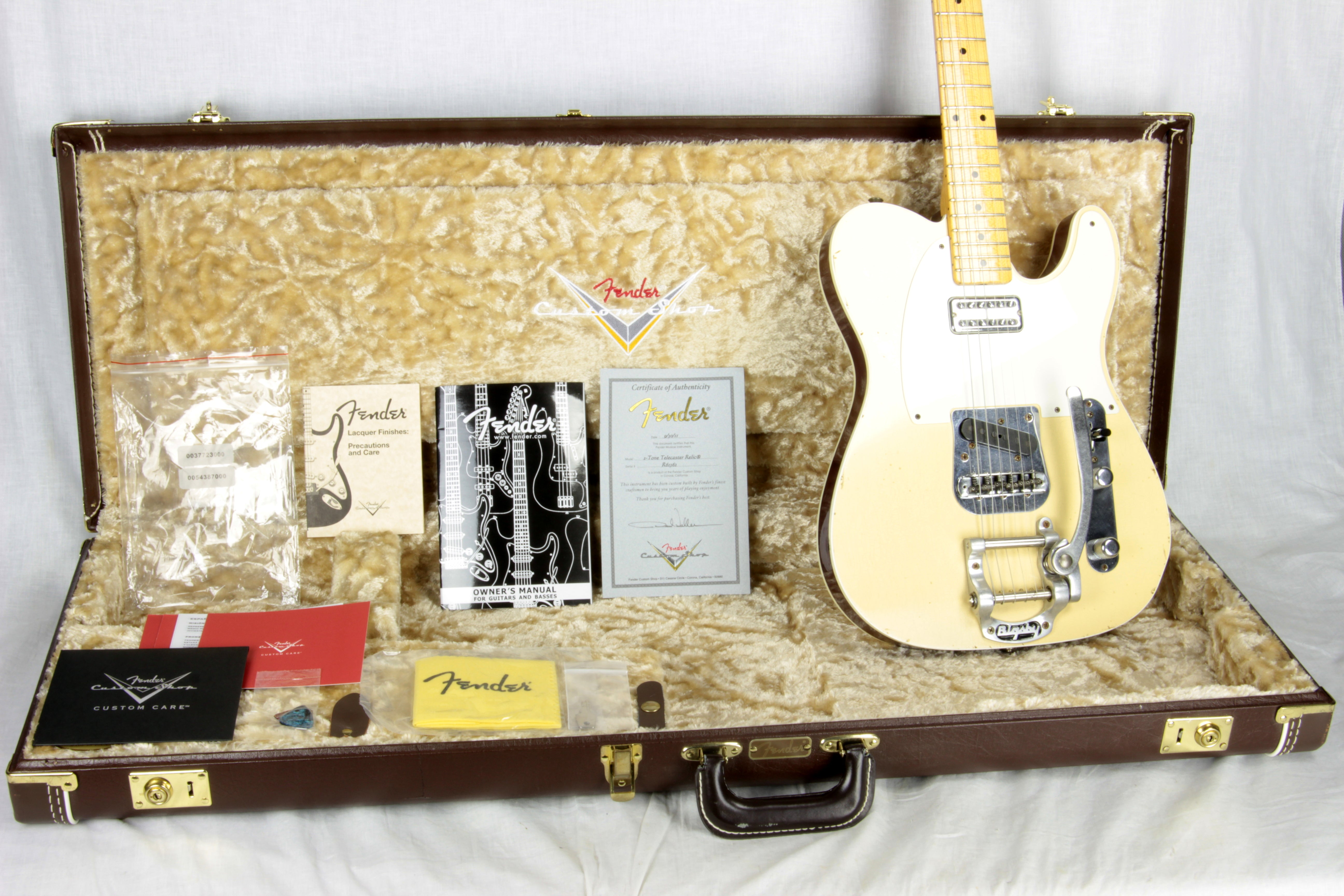 '52 Fender Custom Shop Masterbuilt PAUL WALLER Bigsby Telecaster 2-Tone DOUBLE-BOUND TV Jones