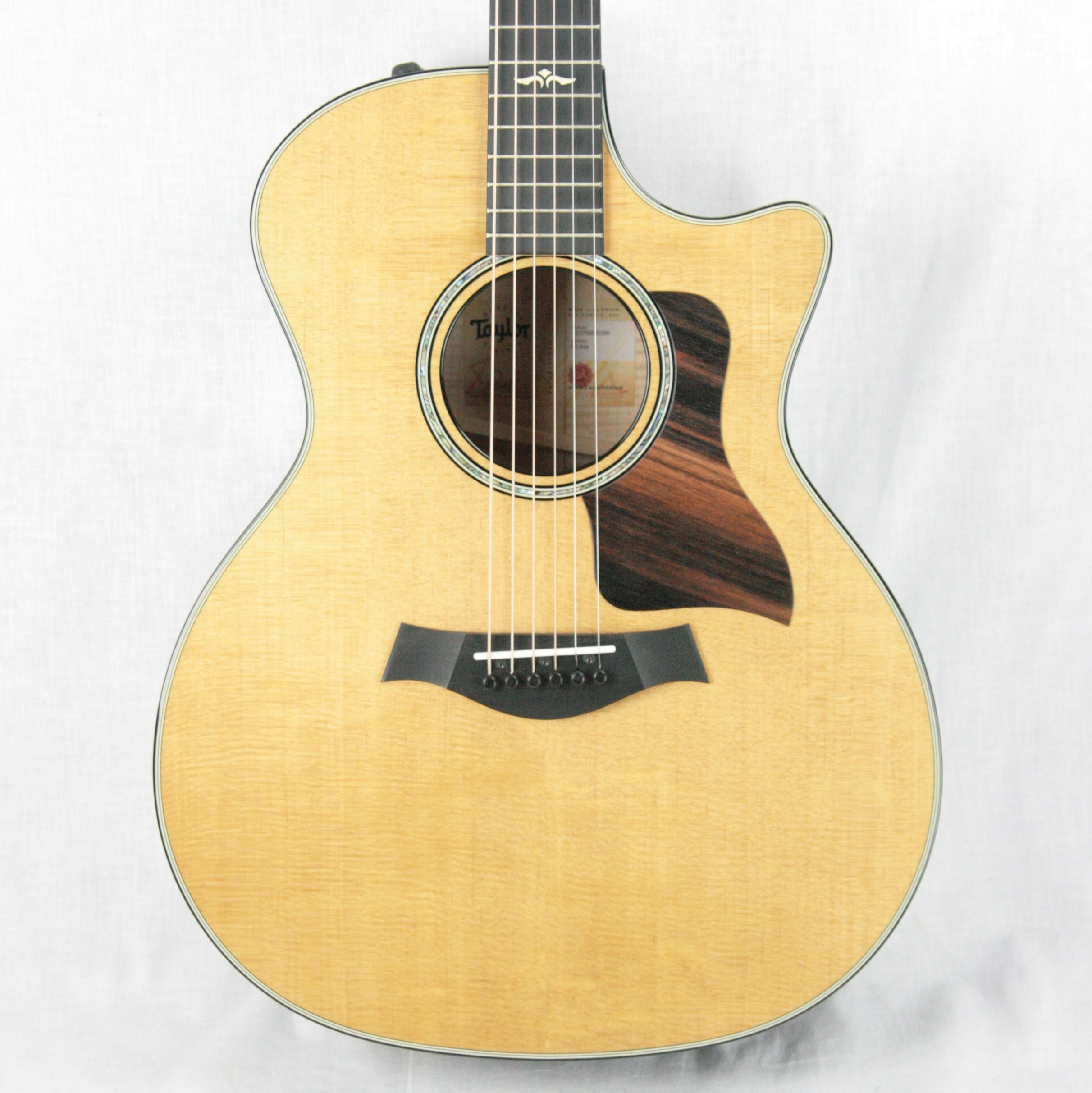 2018 Taylor 614ce Grand Auditorium Sitka Spruce & Maple ES2 V-Class Bracing
