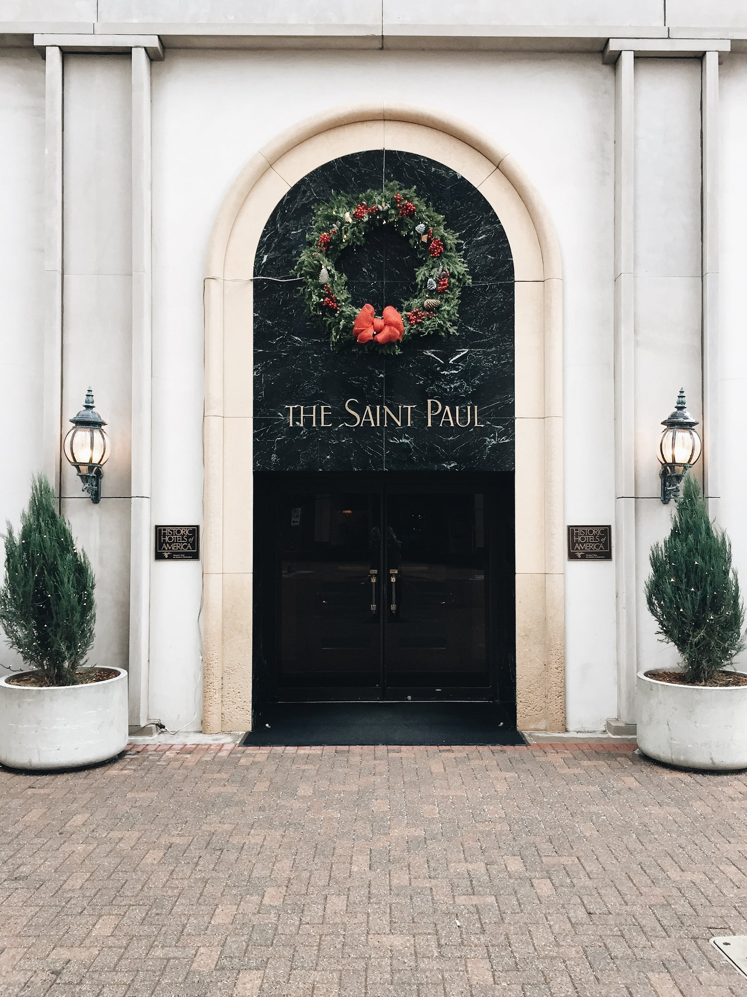 MONTGOMERY COLLECTION | SAINT PAUL
