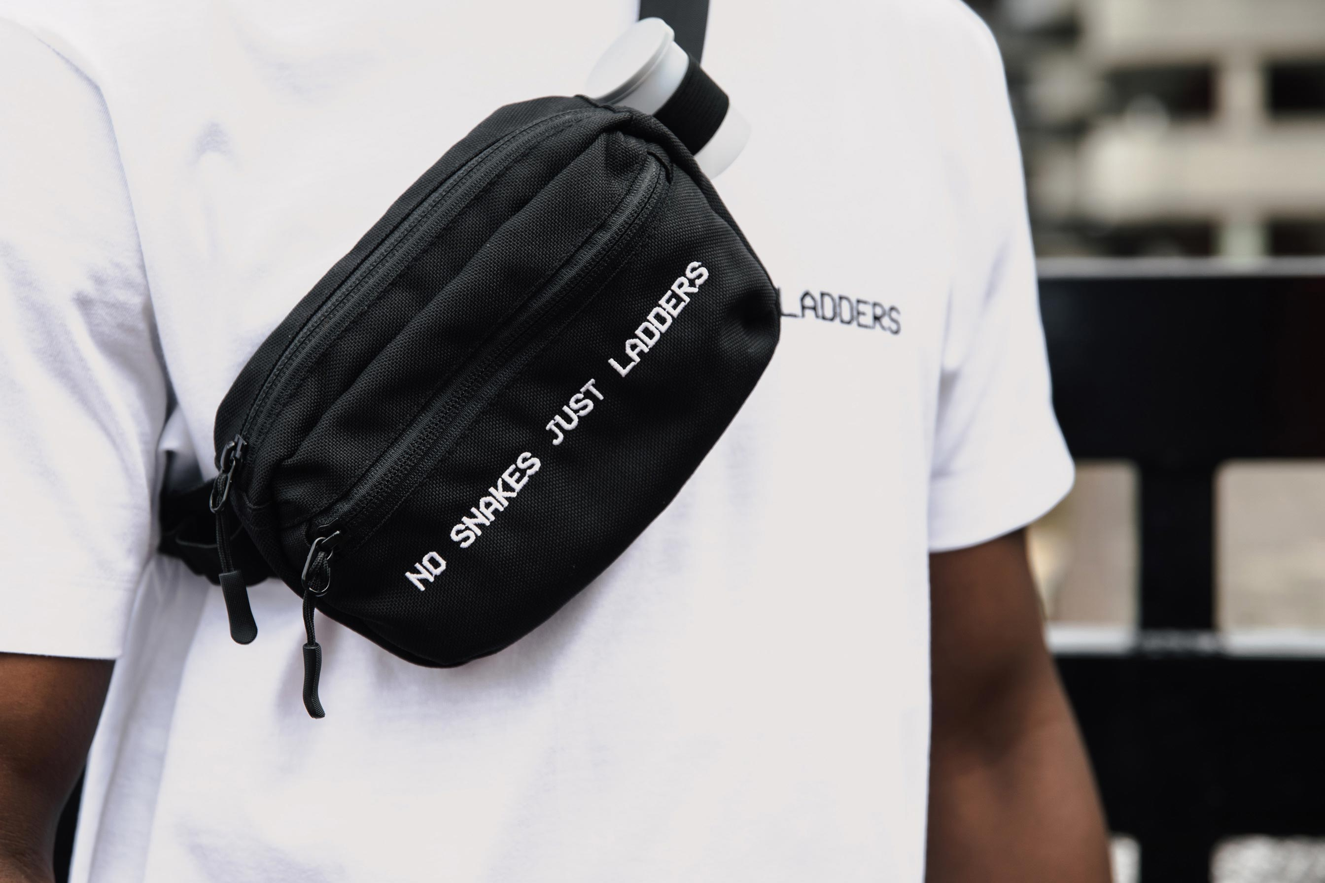 NO SNAKES JUST LADDERS CHEST BAG // BLACK