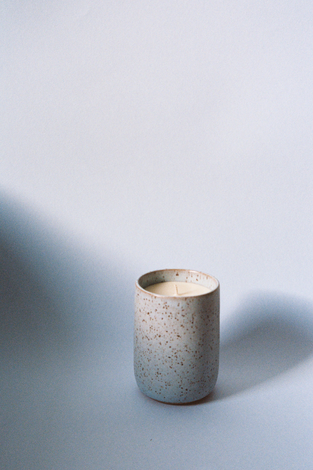 Ingrid Starnes X Fiona Mackay Arcadia candle, ceramic, washed blue