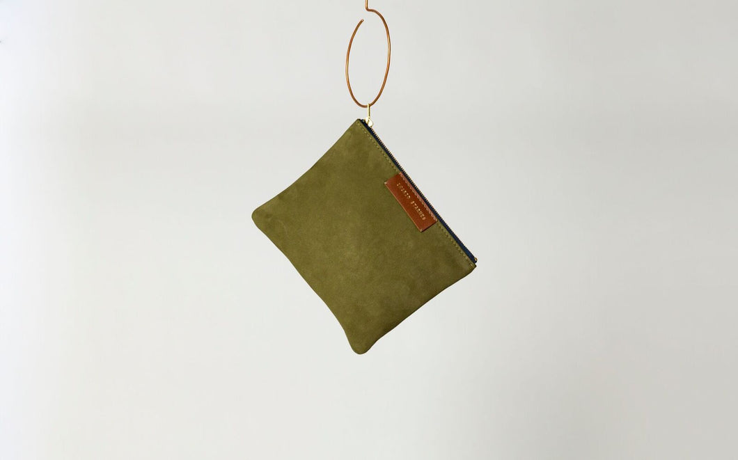 Suede pouch, hunter green, gold