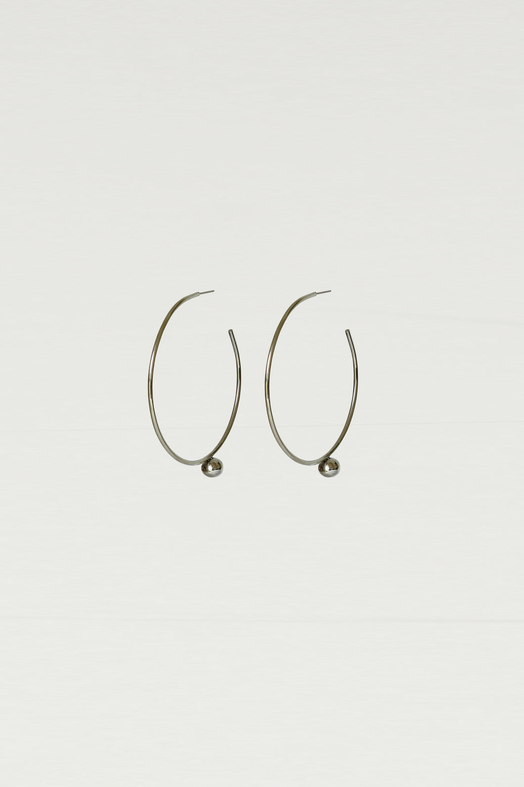Series 6, earring 2, silver