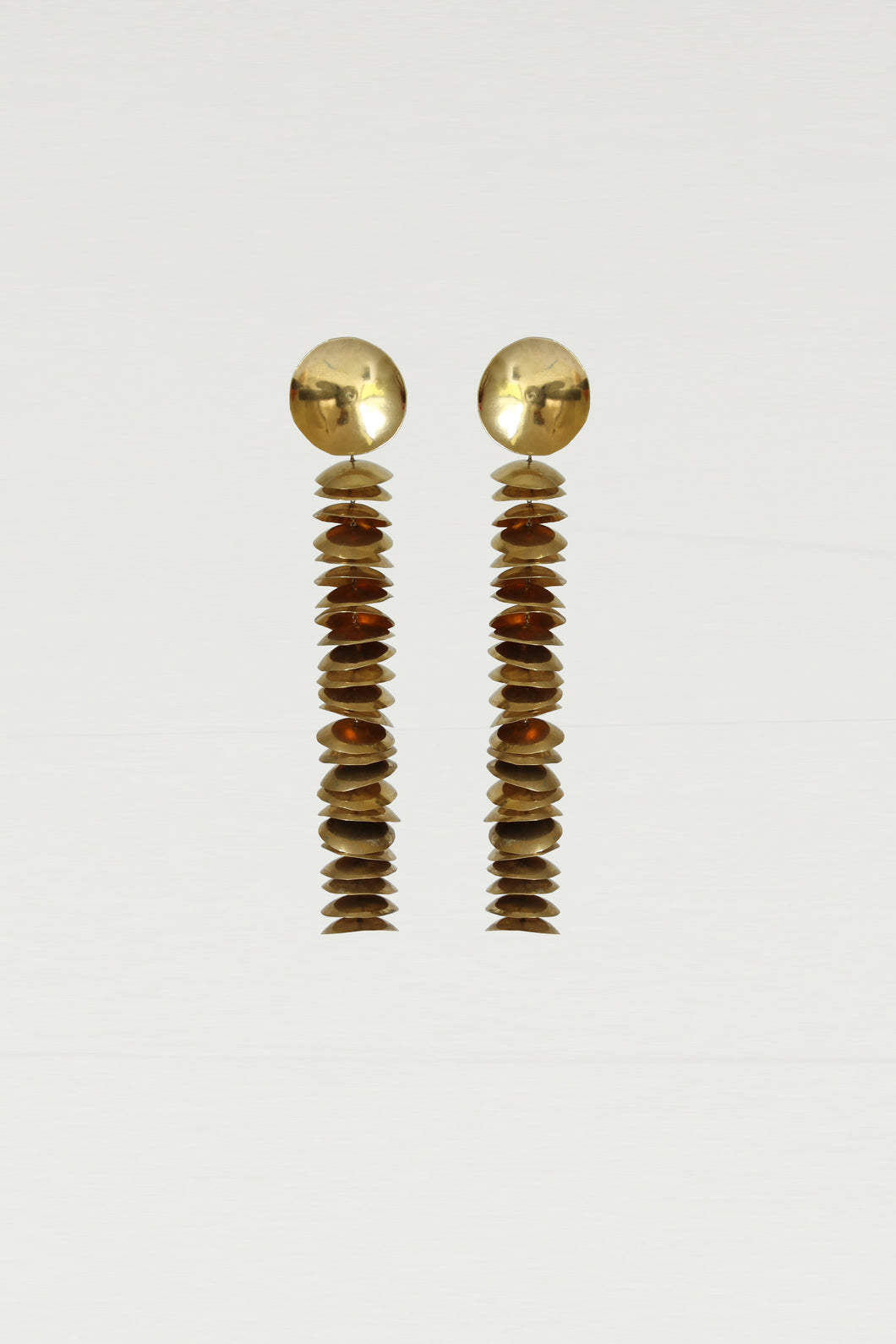 Series 6, earring 8, gold