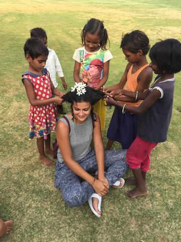 INCOMPLIT Communications Coordinator Aslı was in India volunteering for Kids for 3 months