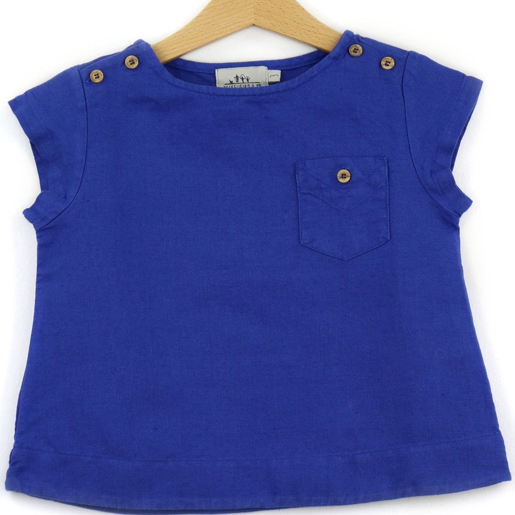 Linen t-shirt with chest pocket, royal blue color - front