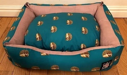 Nature Hedgehog Settee Various Sizes, Dog Beds by Low Cost Gifts