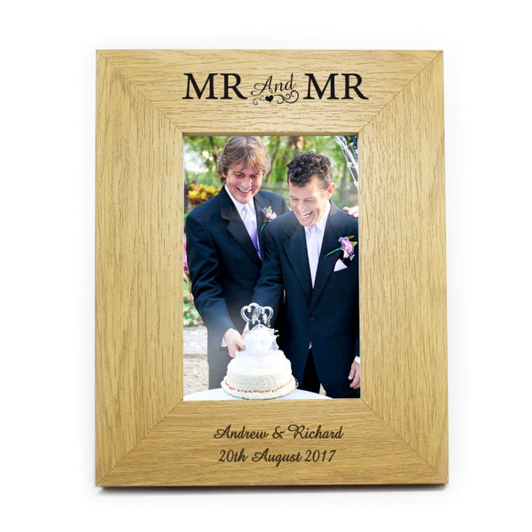 personalised-6x4-mr-mr-wooden-photo-frame
