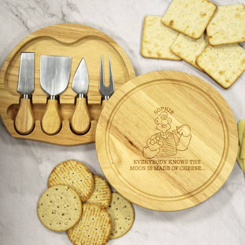 Wallace & Gromit 'Moon Made Of Cheese' Wooden Cheese Board & Knives Set