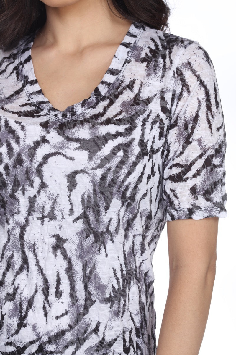S/S V-Neck Top - White Tiger - CARINE