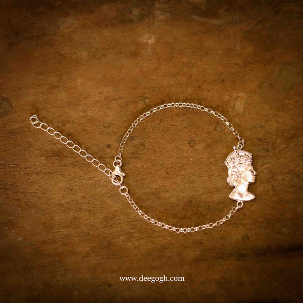 The 'Her Majesty I' Bracelet