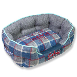 Touchdog 'Archi-Checked' Designer Plaid Oval Dog Bed