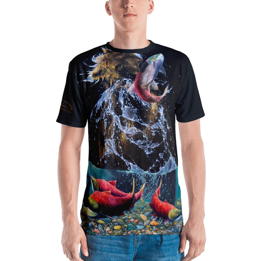 Bear Catching Salmon Men's T-shirt