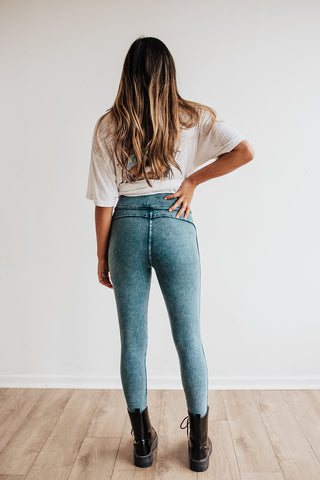 Mineral Wash Leggings (Faded Blue)