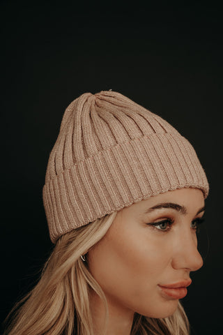 Gleam Beanie (Blush)