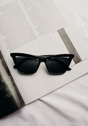 CUTOUT CAT EYE SUNNIES