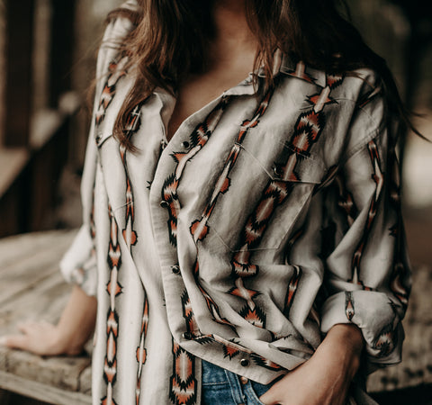 VINTAGE SOUTHWESTERN BUTTON UP