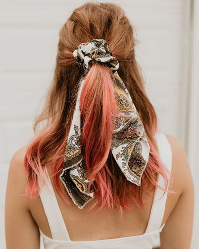 Autumn Scrunchie Scarf