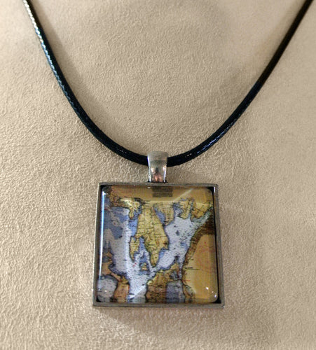 Cabochon Bristol Chart Necklace