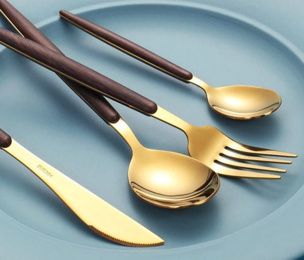 QuatreNoix™ Portable Luxury Silverware Set