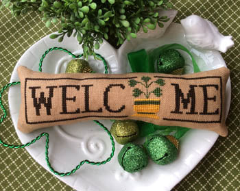 Wee Welcome, March Shamrock - Needle Bling Designs