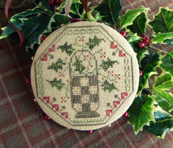 Quaker Holly Pinwheel - Threadwork Primitives