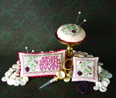 Blackberries & Bees Trio Needlework Accessories - Sweetheart Tree