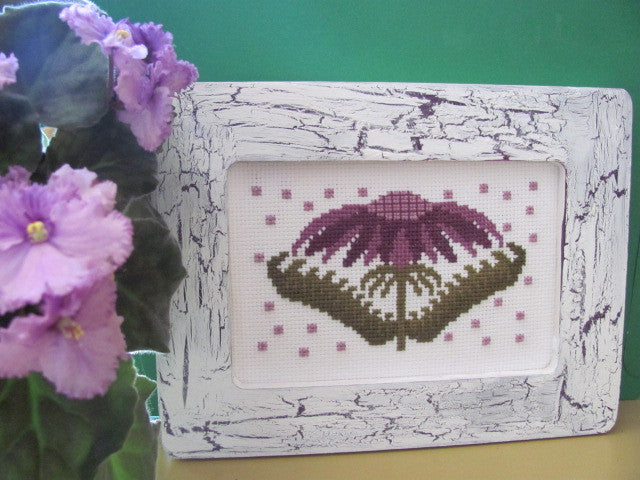 Funky Flowers-Jessica - By The Bay Needleart