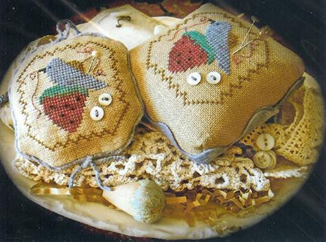 Stitching Things Pincushion (revised/reprinted) - Homespun Elegance