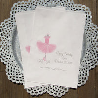 These adorable ballerina birthday favor bags are sure to be a hit!