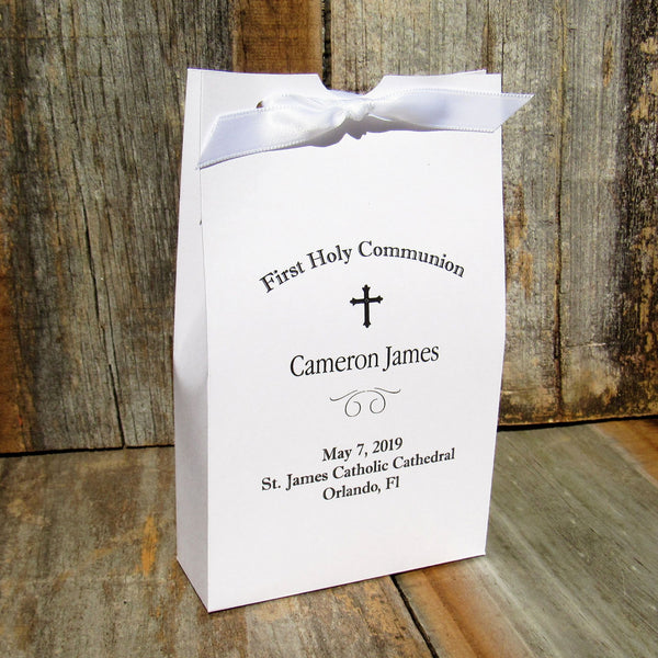 These finely crafted First Holy Communion Favors make the perfect way to package sweet surprises for your guests.