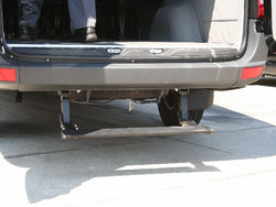 Retracting Rear Bumper Step