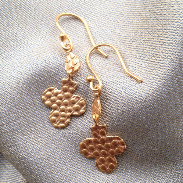 gold clover leaf dangling earrings