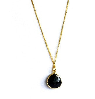 Black Onyx pear shape stone bezel and chain in gold