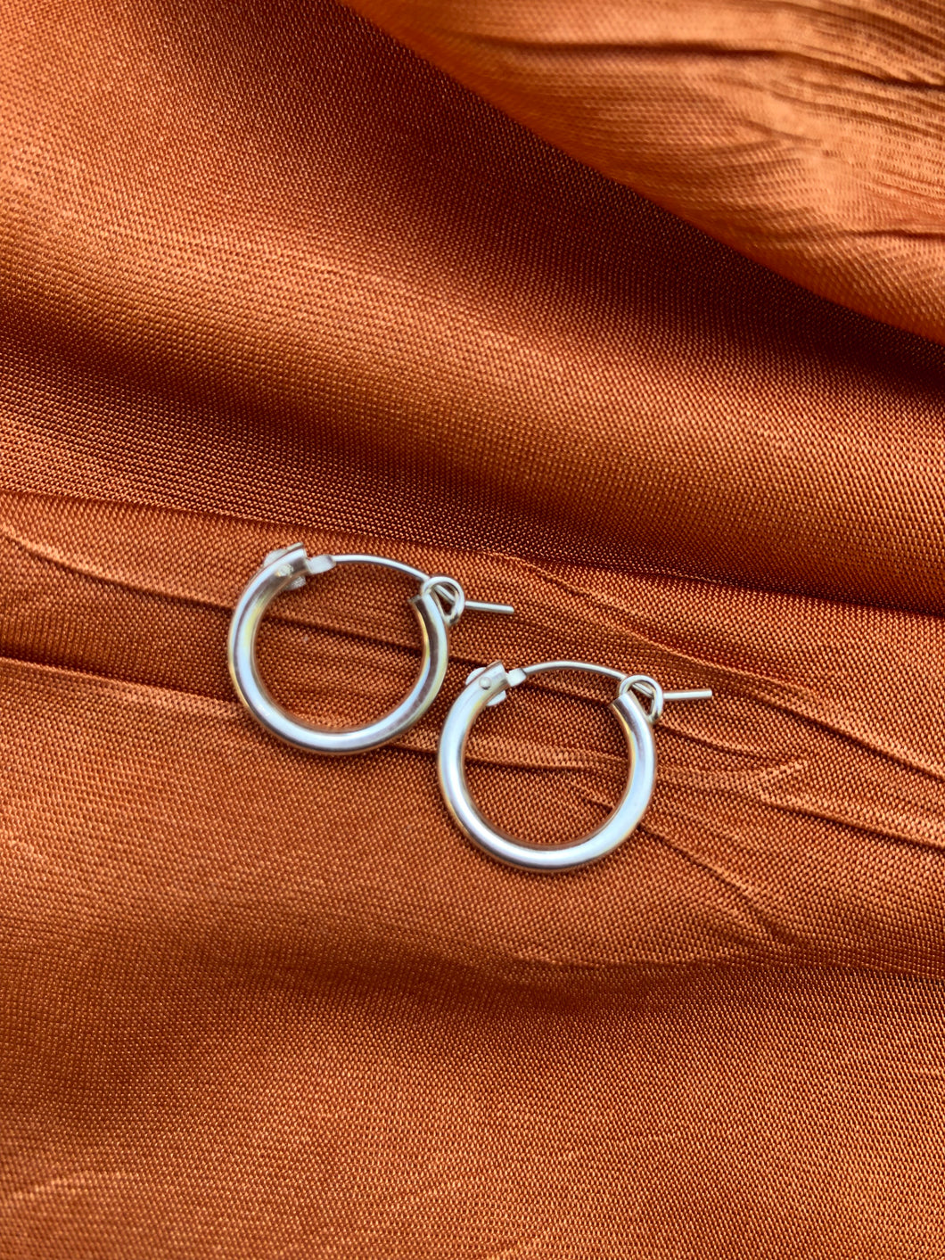SMALL STERLING SILVER HOOPS
