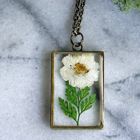 The Pretty Pickle - April Birth Flower Necklace