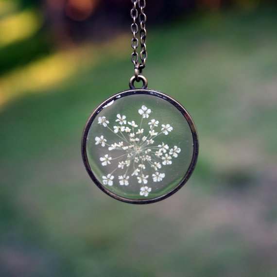 The Pretty Pickle - Queen Anne's Lace Necklace
