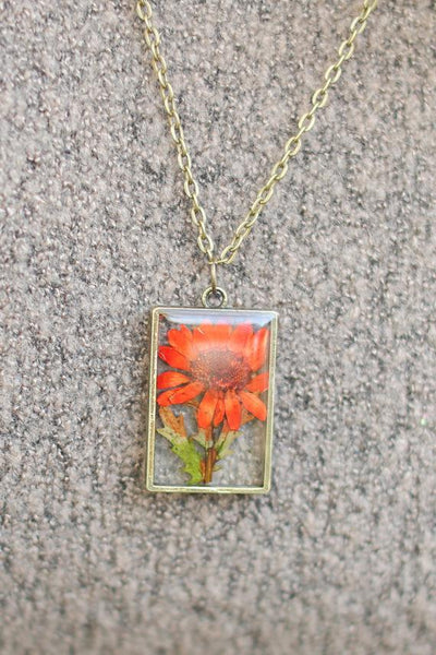 The Pretty Pickle - November Birth Flower Necklace