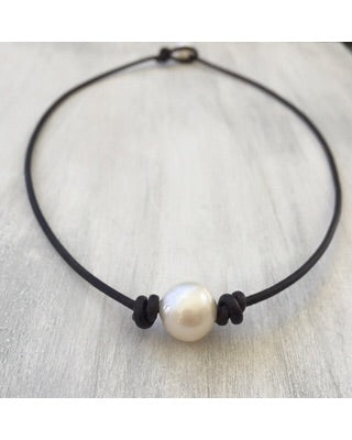 Freshwater Pearl Leather Necklace