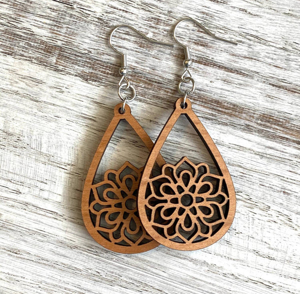 Mandala wood Drop Earrings - Zinnia