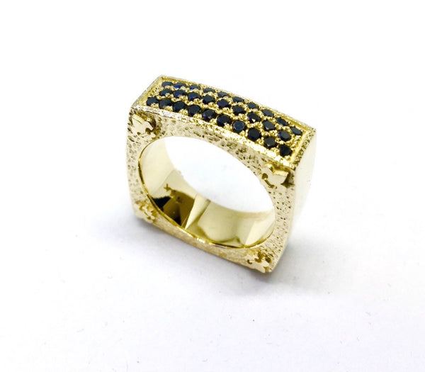 14K Yellow Gold Men's Wedding Band With Black Diamonds
