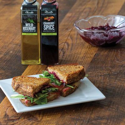 Holiday Pairing - Vanilla Maple Olive Oil & Cranberry Spice Balsamic Vinegar