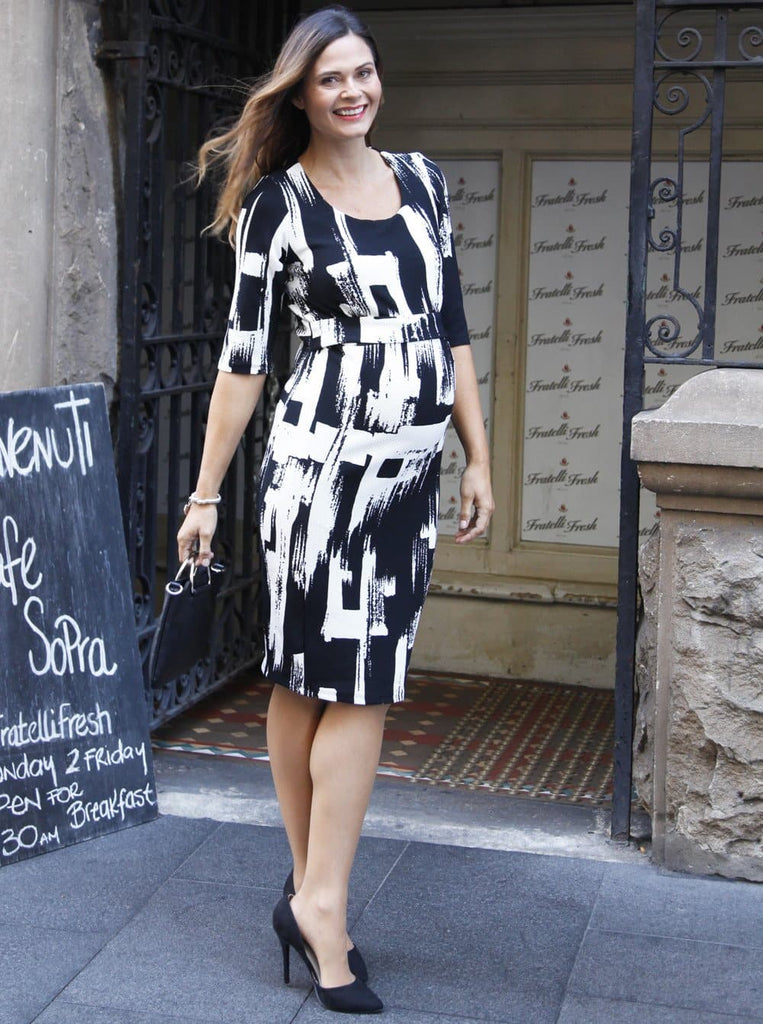 "Angel Maternity ""Busy Mummy"" Half Sleeve Nursing Dress in Texture Print"