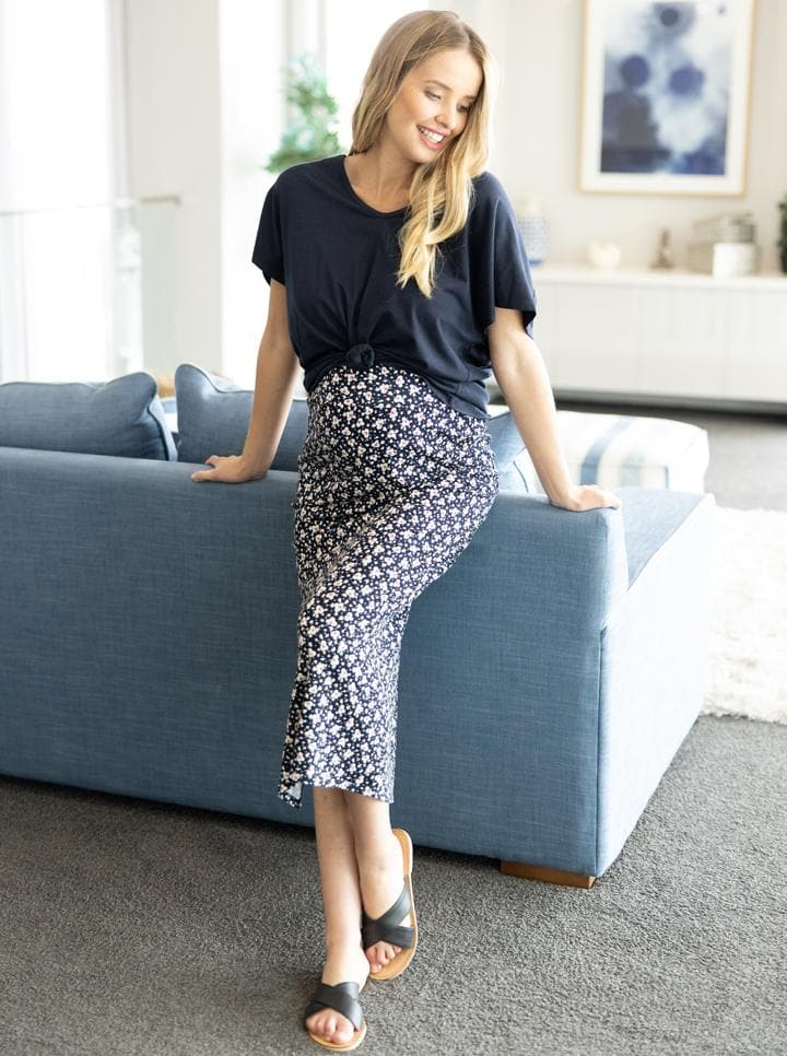 Fitted Maxi Maternity Skirt with Small Leaf Print