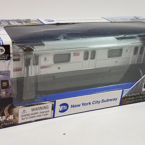 "Daron NYC New York City MTA Train Subway Car And Lamp Post Set  6.5"" Diecast"